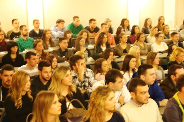 13 nov 2015 studenti