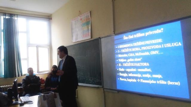 Prof. Eric u Petoj ES