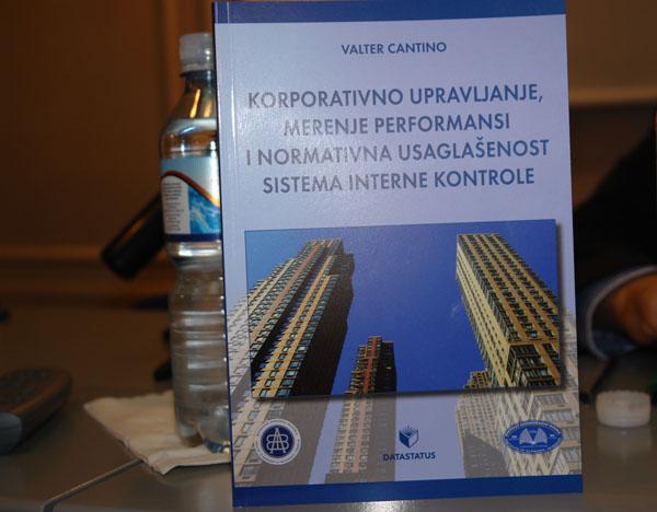 jun22_prezen_knjige_vcantino5